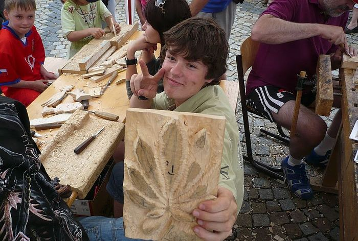 Jedenáctý ročník třešťského Dřevořezání je v plném proudu