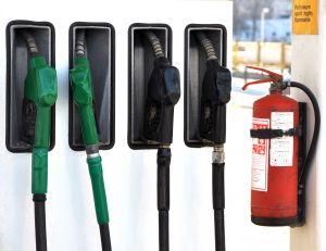 Fotografie ke článku: Scéna jako zkriminálky před benzinou vNové Říši