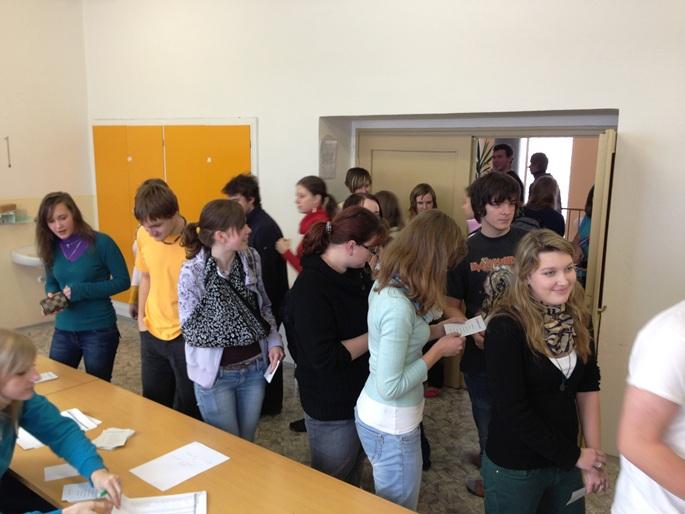 Fotografie ke článku: Studentské volby: GOB a SOŠ si dnes zvolilo prezidenta