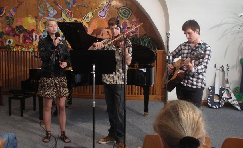 Fotografie ke článku: Na den dětí obdrželi dárek ve formě hudebního překvapení