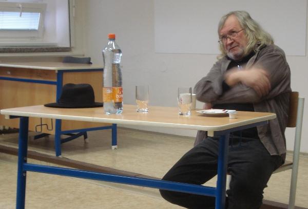 Fotografie ke článku: Zemřel básník, výtvarný kritik, disident a legenda českého undergroundu Magor Ivan Jirous
