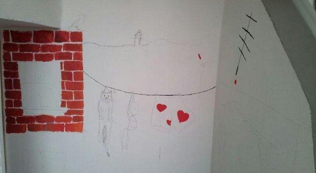 Fotografie ke článku: Výmalba školního interiéru pokročila až k ateliéru