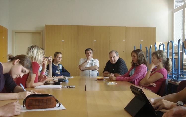 Fotografie ke článku: V úterý 6. prosince bude další schůze Studentského parlamentu. Studenti, přijďte!