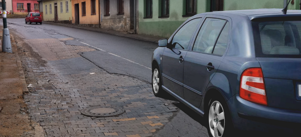Fotografie ke článku: Únorová obleva poukázala na kritický stav silnic