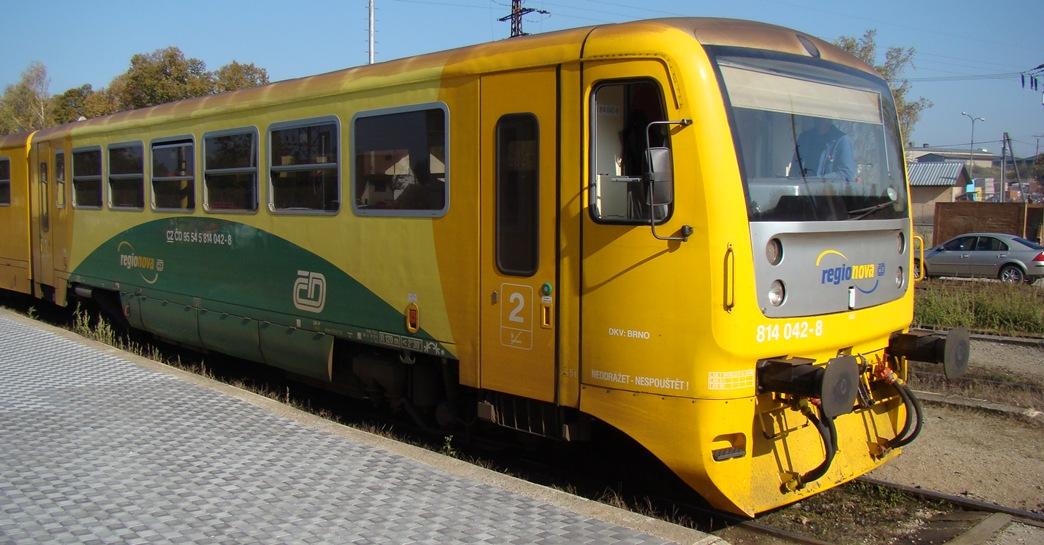 Fotografie ke článku: Další drama na třešťské železnici - mladíka spícího na kolejích málem přejel vlak